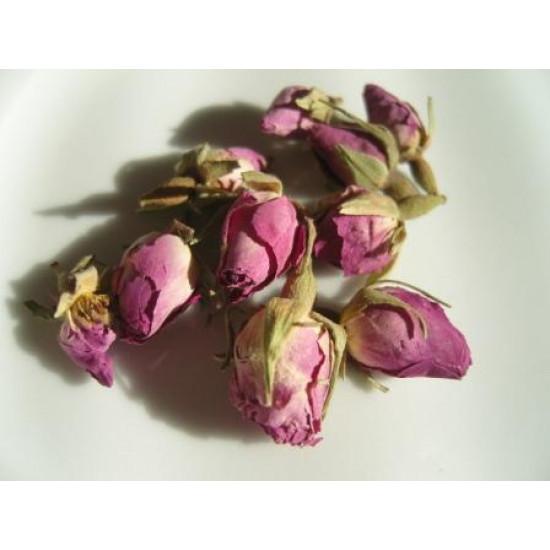 Rožu pumpuri rozā, veseli